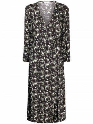 Креповое платье с запахом GANNI. Цвет: черный