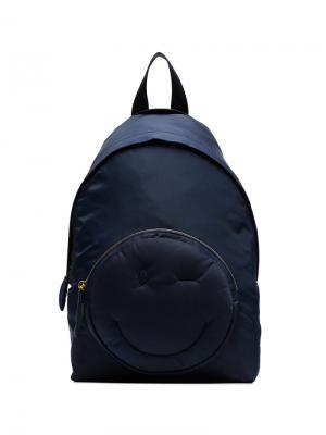 Рюкзак с декором в виде подмигивающего смайла Anya Hindmarch. Цвет: синий