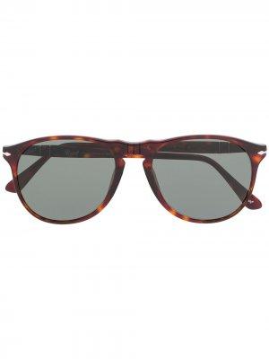 Солнцезащитные очки в геометричной оправе Persol. Цвет: коричневый
