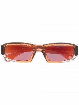 Солнцезащитные очки Altù с затемненными линзами Jacquemus. Цвет: коричневый