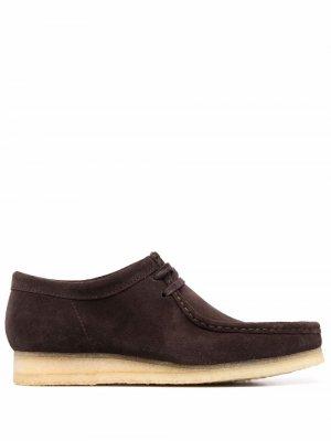 Туфли Maple на шнуровке Clarks Originals. Цвет: коричневый