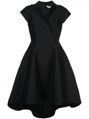 Атласное платье с запахом Halston Heritage. Цвет: черный