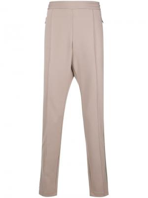 Классические спортивные брюки Bottega Veneta. Цвет: бежевый