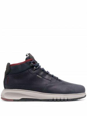 Высокие ботинки на шнуровке Geox. Цвет: синий