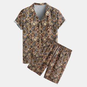 Мужская рубашка с принтом и шорты карманом SHEIN. Цвет: многоцветный