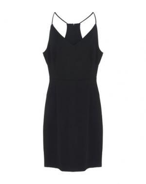 Короткое платье MINIMUM. Цвет: черный