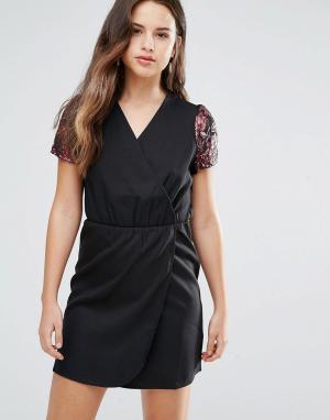 Платье с запахом Direll Louche. Цвет: черный