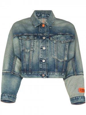 Укороченная джинсовая куртка из коллаборации с Levis Heron Preston. Цвет: синий