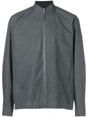 Легкая куртка-бомбер Arc'teryx. Цвет: серый