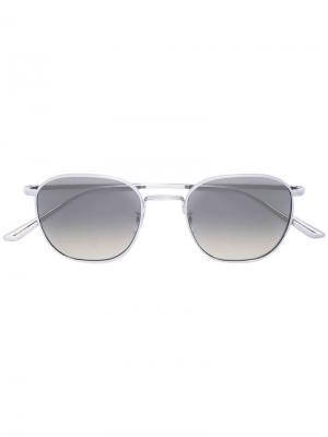 Солнцезащитные очки в массивной оправе Oliver Peoples. Цвет: серебристый