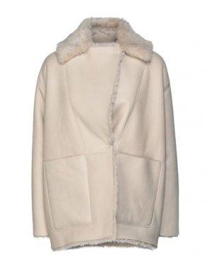 Куртка DACUTE. Цвет: слоновая кость