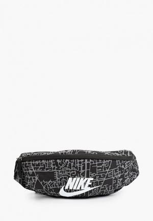Сумка поясная Nike NK HERITAGE WSTPCK FA21 AOP2. Цвет: черный