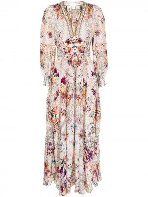 Платье с цветочным принтом Camilla. Цвет: белый