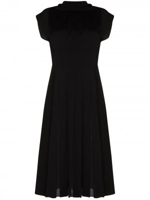 Плиссированное платье миди с короткими рукавами Salvatore Ferragamo. Цвет: черный