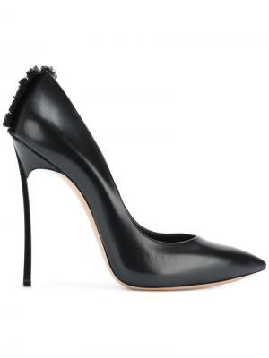 Туфли-лодочки Blade с бахромой Casadei. Цвет: черный