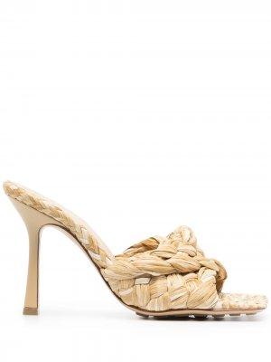 Плетеные босоножки Stretch Bottega Veneta. Цвет: нейтральные цвета