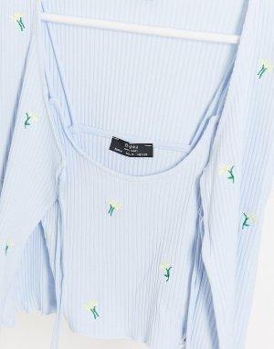 Голубой топ от комплекта с цветочной вышивкой -Синий Bershka