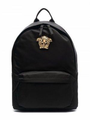 Medusa logo-plaque backpack Versace Kids. Цвет: черный