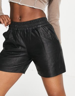 Черные кожаные шорты с присборенной талией Julia-Черный цвет Muubaa