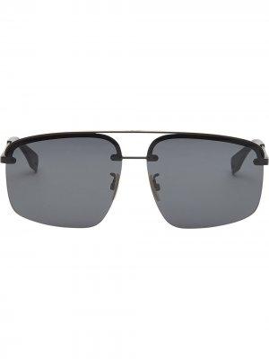 Солнцезащитные очки в прямоугольной оправе Fendi. Цвет: черный