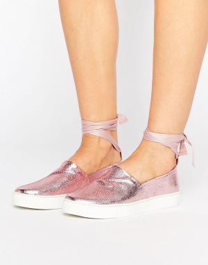 Туфли с завязками вокруг голени Clover Canyon. Цвет: розовый
