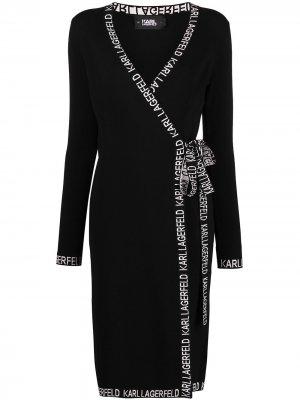Платье с запахом и вышитым логотипом Karl Lagerfeld. Цвет: черный