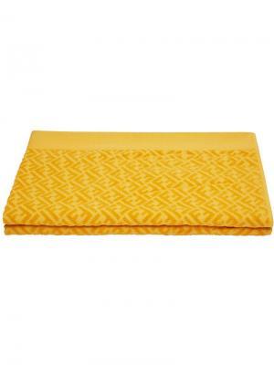 Пляжное полотенце с логотипом Fendi. Цвет: желтый