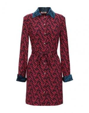 Короткое платье MARANI JEANS. Цвет: красный