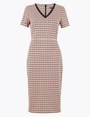 Платье-бодикон из джерси с принтом гусиная лапка M&S Collection. Цвет: красный микс