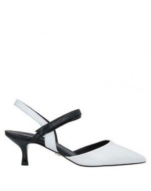Туфли CARMENS. Цвет: белый