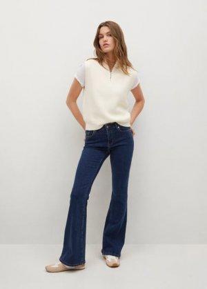 Расклешенные джинсы Flare - Mango. Цвет: темно-синий