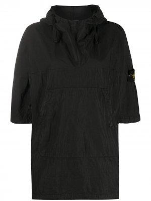 Куртка с капюшоном и нашивкой Stone Island. Цвет: черный