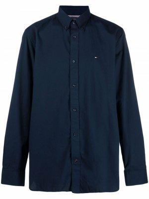 Рубашка с вышитым логотипом Tommy Hilfiger. Цвет: синий