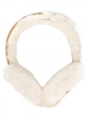 Меховые наушники UGG. Цвет: нейтральные цвета
