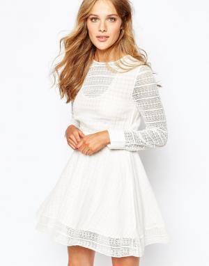 Светло-бежевое платье Muna Gat Rimon. Цвет: кремовый