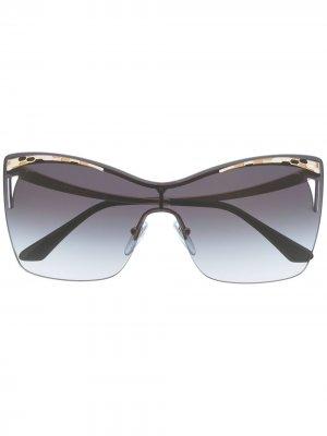 Солнцезащитные очки в квадратной оправе с затемненными линзами Bvlgari. Цвет: синий
