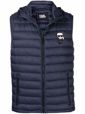 Дутый жилет с нашивкой-логотипом Karl Lagerfeld. Цвет: синий