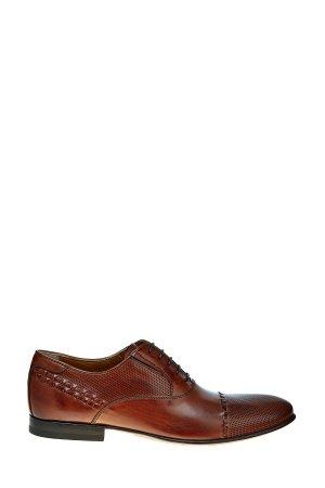 Оксфорды в классическом стиле из гладкой кожи с перфорированными вставками MIRAGE. Цвет: коричневый