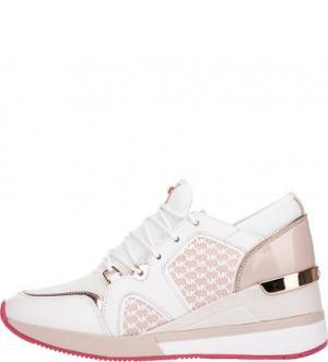 Текстильные кроссовки на танкетке MICHAEL Kors. Цвет: розовый