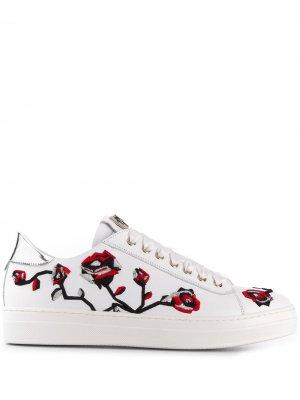 Кроссовки с цветочной вышивкой Cesare Paciotti Kids. Цвет: белый