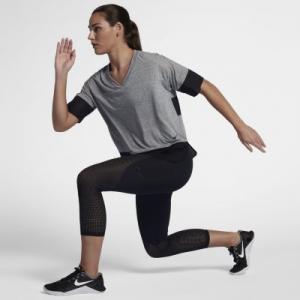 Женские капри со средней посадкой для тренинга Pro HyperCool Nike. Цвет: черный