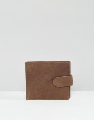 Коричневый кожаный кошелек New Look. Цвет: коричневый