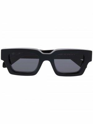 Солнцезащитные очки Virgil Arrow в квадратной оправе Off-White. Цвет: черный