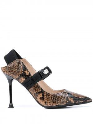 Туфли Мэри Джейн с тиснением под кожу змеи Alberto Gozzi. Цвет: коричневый