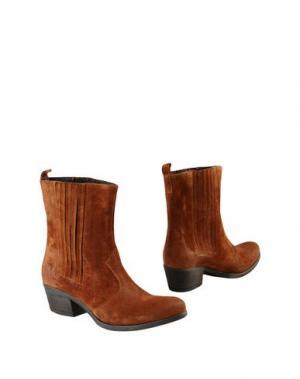 Полусапоги и высокие ботинки GEORGE J. LOVE. Цвет: желто-коричневый