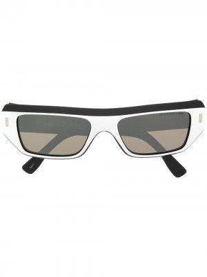 Солнцезащитные очки с затемненными линзами Cutler & Gross. Цвет: черный