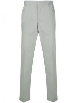 Прямые брюки чинос Prada. Цвет: серый