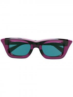 Солнцезащитные очки в квадратной оправе Kuboraum. Цвет: фиолетовый