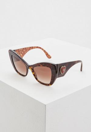 Очки солнцезащитные Dolce&Gabbana DG4349 320413. Цвет: коричневый