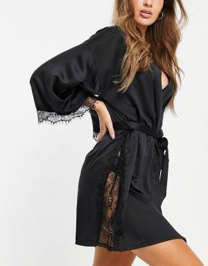 Черный атласный халат с кружевной отделкой Cherryann-Черный цвет Ann Summers
